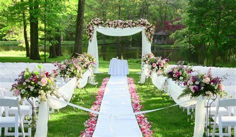 top  wedding trends  garden weddings wedding