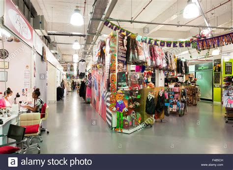 the mall luton shopping centre think luton indoor market luton s market in the mall the mall