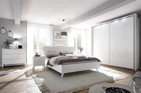 stanza da letto romantica camere da letto bianche romantiche come arredare una