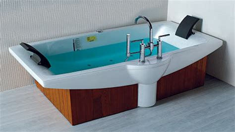 soaker tubs for small bathrooms