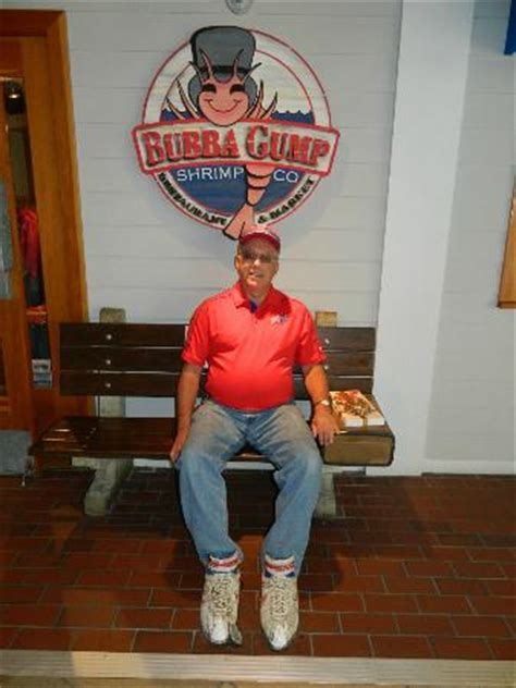 bubba gump bench bubba gump bench for forrest wannabees picture of bubba gump shrimp co bloomington