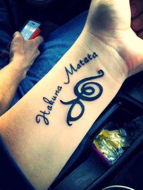 hakuna matata tattoo hakuna matata wrist tattoo