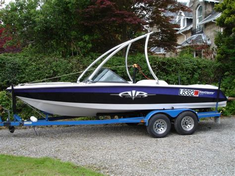 wakeboard boat accessories which wakeboard tower boats accessories tow vehicles