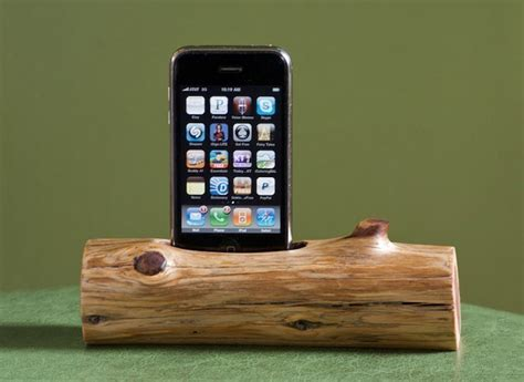 woodtec wooden log iphone ipod docking station the green head