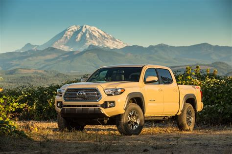 2016 Toyota Tacoma Pictures 2016 Toyota Tacoma Gas Mileage The Car Connection