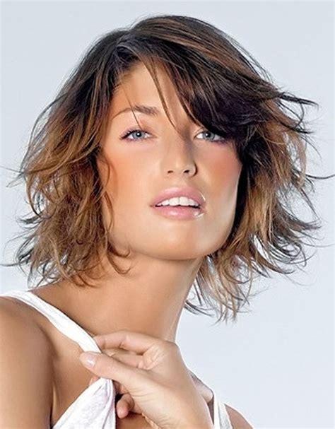 apuestos estilos con flequillo moda 2012 peinados de moda estilos de cortes de pelo mediano con color de cabello y