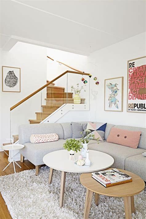 design bloggers at home review 25 melhores ideias de sof 225 s cinza no pinterest