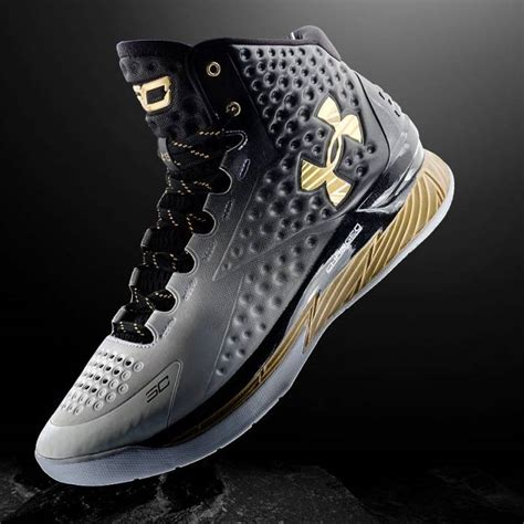 Schuhe Stephen Curry 2015 Ua Curry One Niedrig C 163 165 stephen curry s armour curry one mvp photos