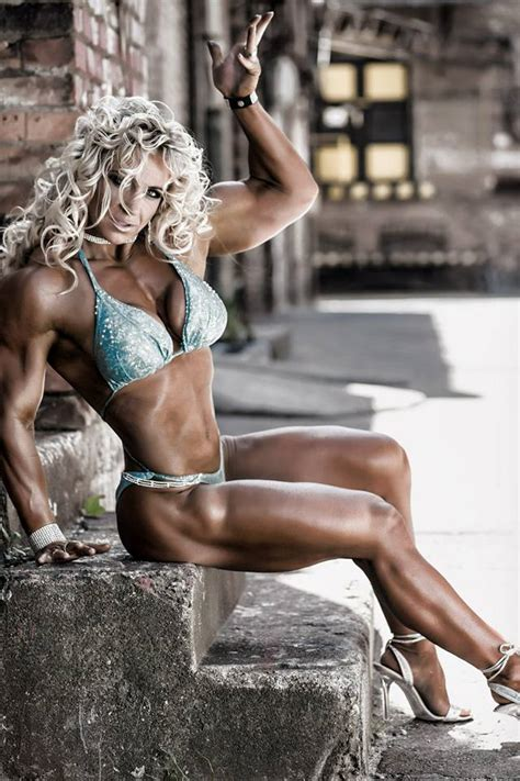 happy holidays  femalemuscle femalemuscle female bodybuilding  talklive  bodybuilder