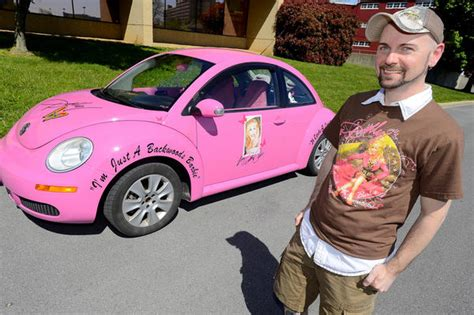 Decorated Vw Beetle by Here He Comes Again Hagerstown Has Car Devoted To Dolly Parton Heraldmailmedia