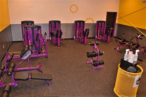 room planet fitness abs and room yelp