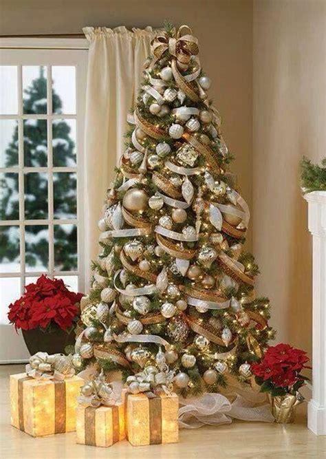 maneras de adornar el arbol de navidad formas de decorar tu arbol de navidad con liston 5 decoracion de interiores fachadas para