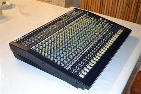 Mixer Eurodesk behringer eurodesk mx2442a image 651971 audiofanzine