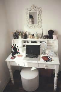Makeup Vanity Necessities Taken From P4rtyring On My New Bedroom Needs A