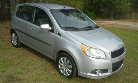 how petrol cars work 2010 chevrolet aveo engine control purchase used 2010 chevrolet aveo 5 lt hatchback 35mpg fuel efficient commuter chevy aveo in