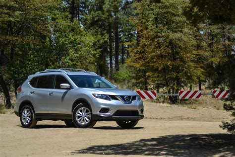 2015 Nissan Rogue Review by 2015 Nissan Rogue Awd Muddy Road Review On Everyman