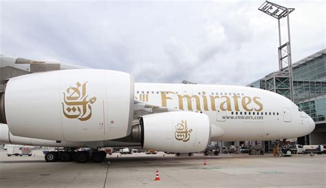 emirates jfk to dubai an emirates a380 had a dangerously low approach at jfk