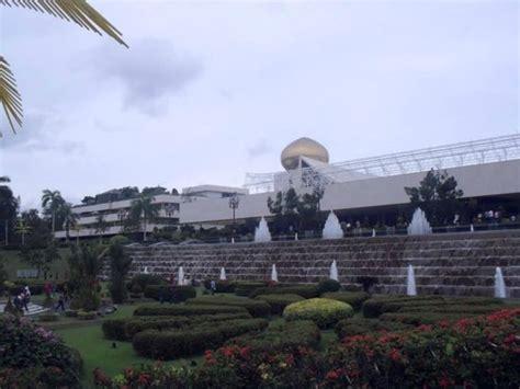 istana nurul iman garage palace grounds picture of istana nurul iman bandar seri