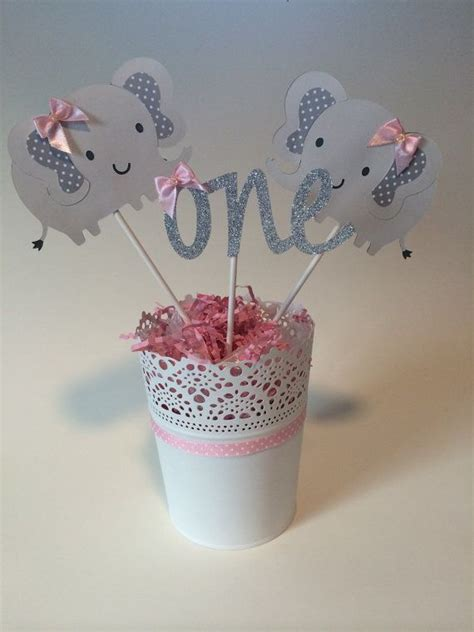 baby shower centerpiece 25 best ideas about elephant centerpieces on