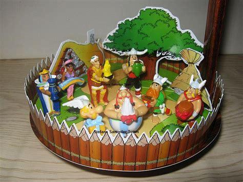 diorama  jahre asterix asterix und obelix feiern