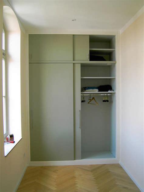 bibliothek möbel kaufen garderobenschrank mit schiebet 252 r garderobenschrank mit