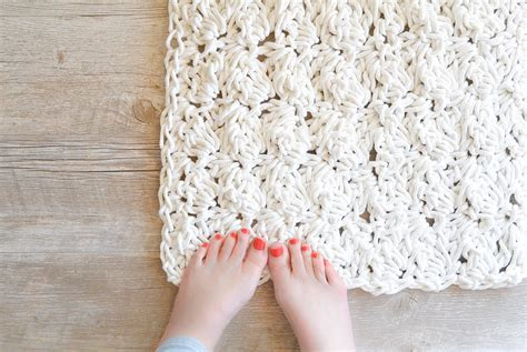 how to crochet a bath rug with rope in a stitch