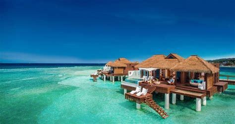 inclusive   water villas suites