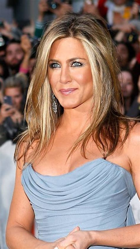 how do you get the color of jenny mccarthy hair and donnie loves jenny how to get hair color like jennifer aniston howcast get