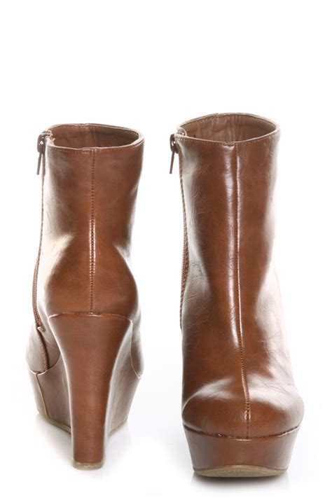 bamboo ceasar 01n chestnut wedge ankle boots 33 00