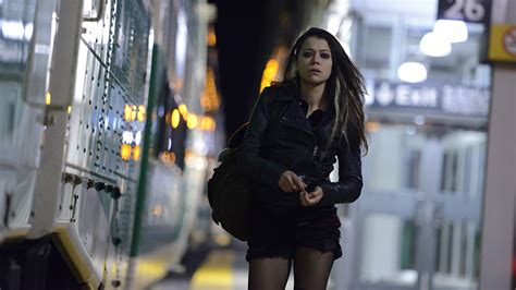 tentang film orphan black report orphan black s tatiana maslany cast as lead in