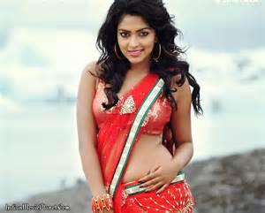 amala paul stills red saree