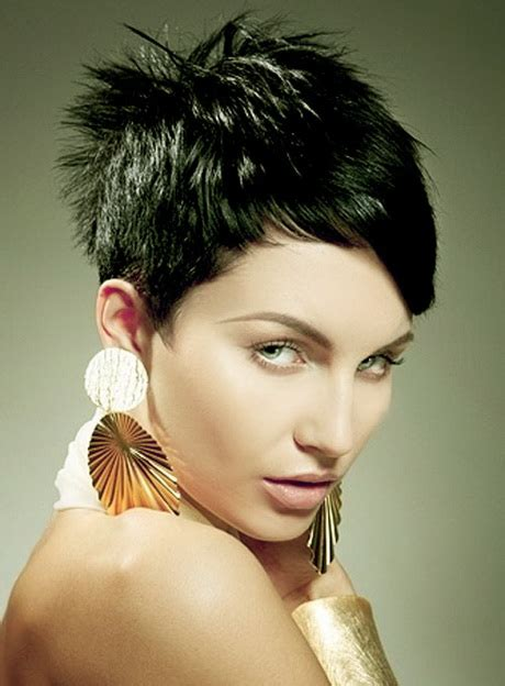 haistyles for short layered hair at the ackward stage very short layered haircuts