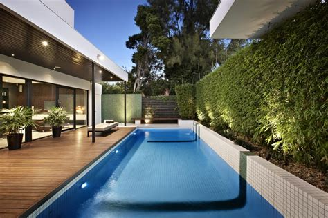 relaxing outdoor space of a house on balaclava road relaxing outdoor space of a house on balaclava road
