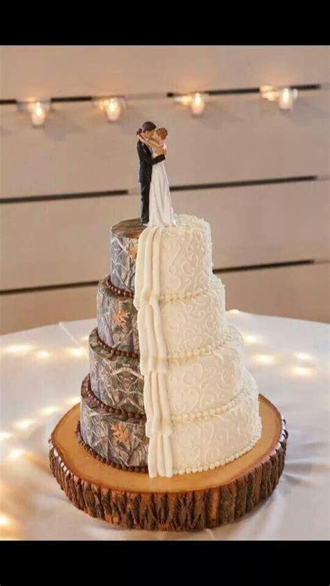 camo wedding cakes     scene