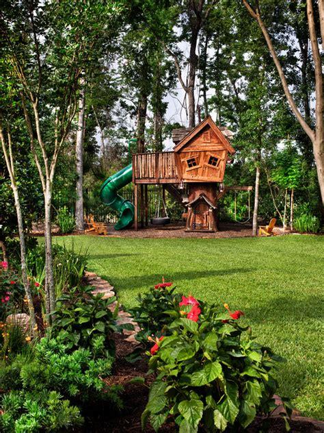 baumhaus im garten baumhaus bauen einen ort zum spielen und zur entspannung