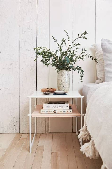 Design For Bedroom Table Ls Ideas 1000 Ideas About Minimalist Bedroom On Pinterest Modern Bedroom Design Bedrooms And