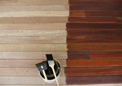 Holz Terrassendielen Lackieren by Terrasse Neu Gestalten Streichen Sie Farbig Die