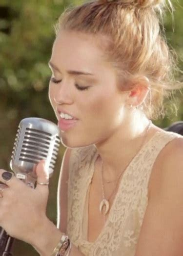 miley cyrus backyard sessions miley cyrus soars with new backyard session standard