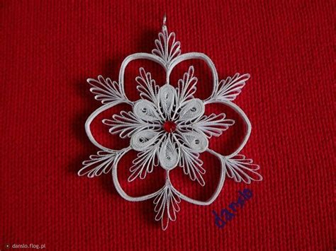 quilling snowflakes tutorial 552 best quilled snowflakes images on pinterest paper