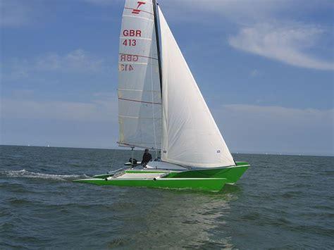 trimaran under sail rebuilding a kelsall typhoon trimaran small trimarans