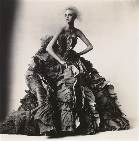 libro irving penn beyond beauty e torch irving penn beyond beauty