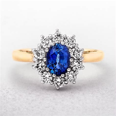 Yellow Sapphire 2 1ct yellow gold 1ct oval sapphire 0 58ct cluster ring