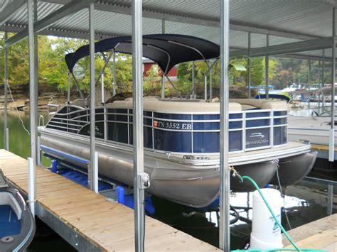 bennington pontoon boat lift bennington pontoon boat on hydrohoist boat lift boat lift