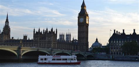 thames river cruise evening book a thames evening river cruise with city cruises
