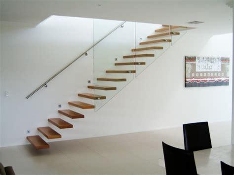 geländer für raumspartreppe wohnzimmer treppe idee
