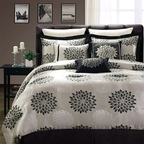 kennedy reversible 8 comforter set 17 best images about boy bedroom on camo