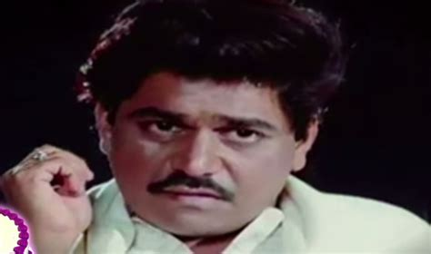 upkar movie actor name laxmikant berde wife son family biography wiki