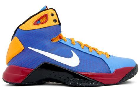 Nike Hyperdunk 2008 nike hyperdunk supreme barcelona bryant sneakernews