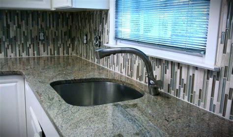 vertical glass tile backsplash kitchens