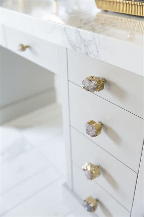 17 best ideas about cabinet knobs on kitchen